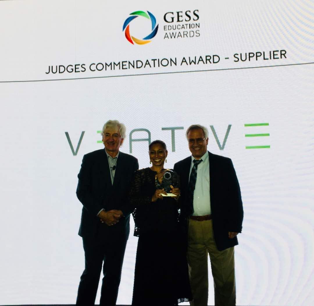 للعام الثالث على التوالي المجموعة المتحدة تفوز بجائزة أفضل منتج تعليمي بمعرض دبي لمستلزمات وحلول التعليم