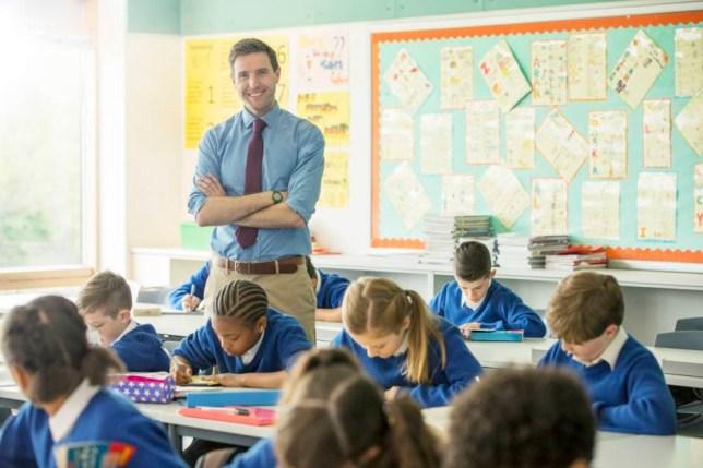 """تنمية ذكاءات بديلا للدروس.. كيف سيتغير دور المعلِّم بعد وباء """"كوفيد-19″؟"""